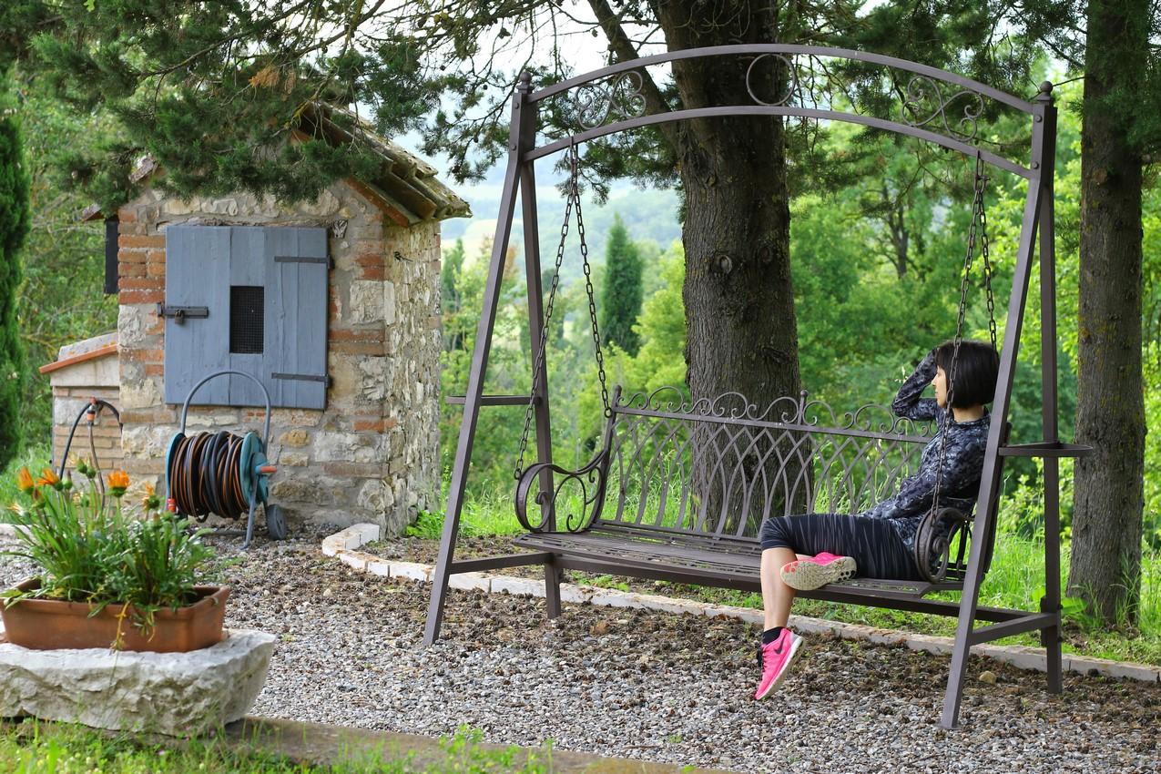 Ambra at swing