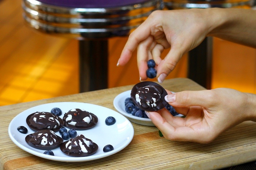Paleo Chocolate Peppermint Patties