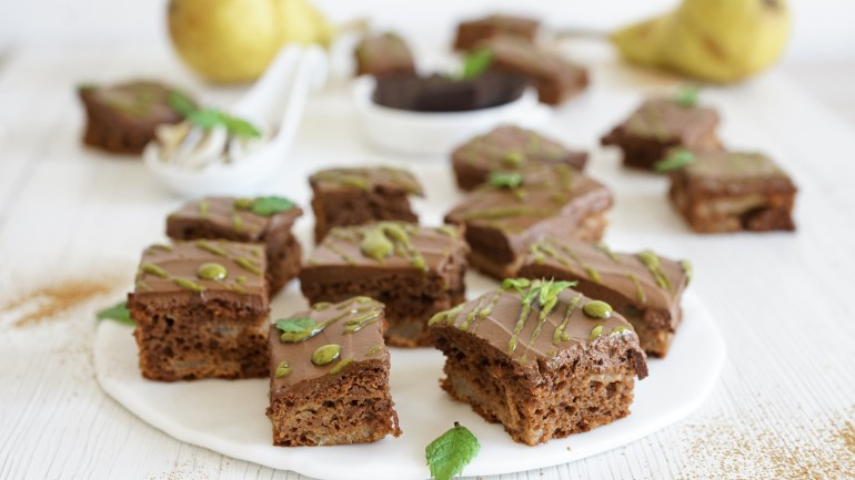 Pear & Chocolate Paleo Brownies (Dairy, Nut & Gluten FREE, AIP Reintro)