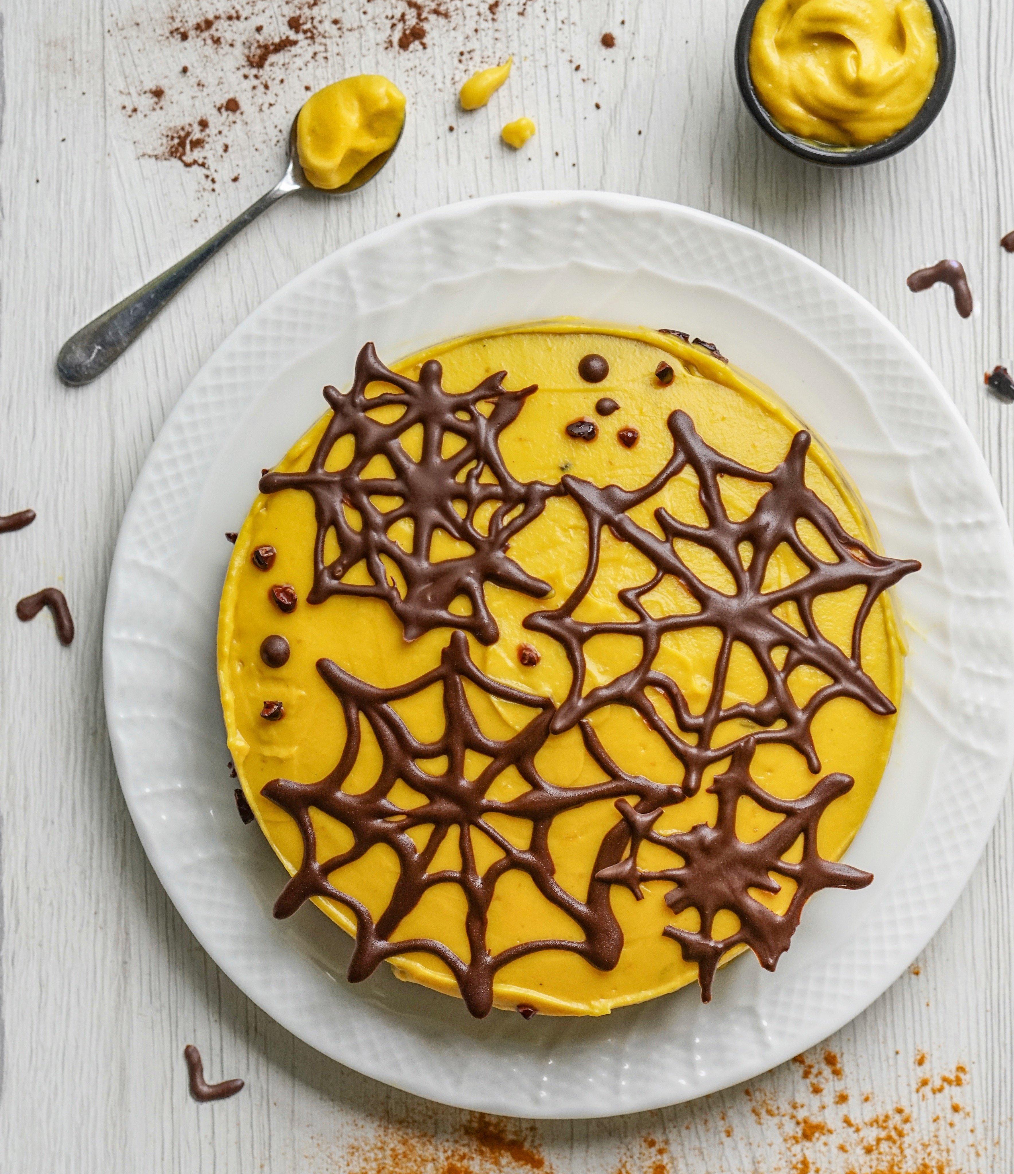 Paleo Halloween Cake (Paleo, Gluten & Dairy Free)
