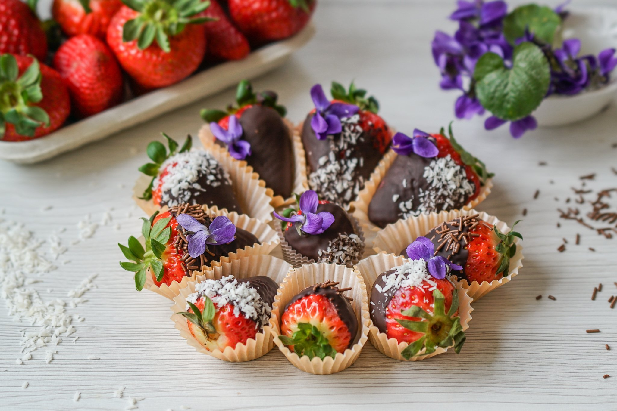 Easy Paleo Chocolate Covered Strawberries (GF & DF)