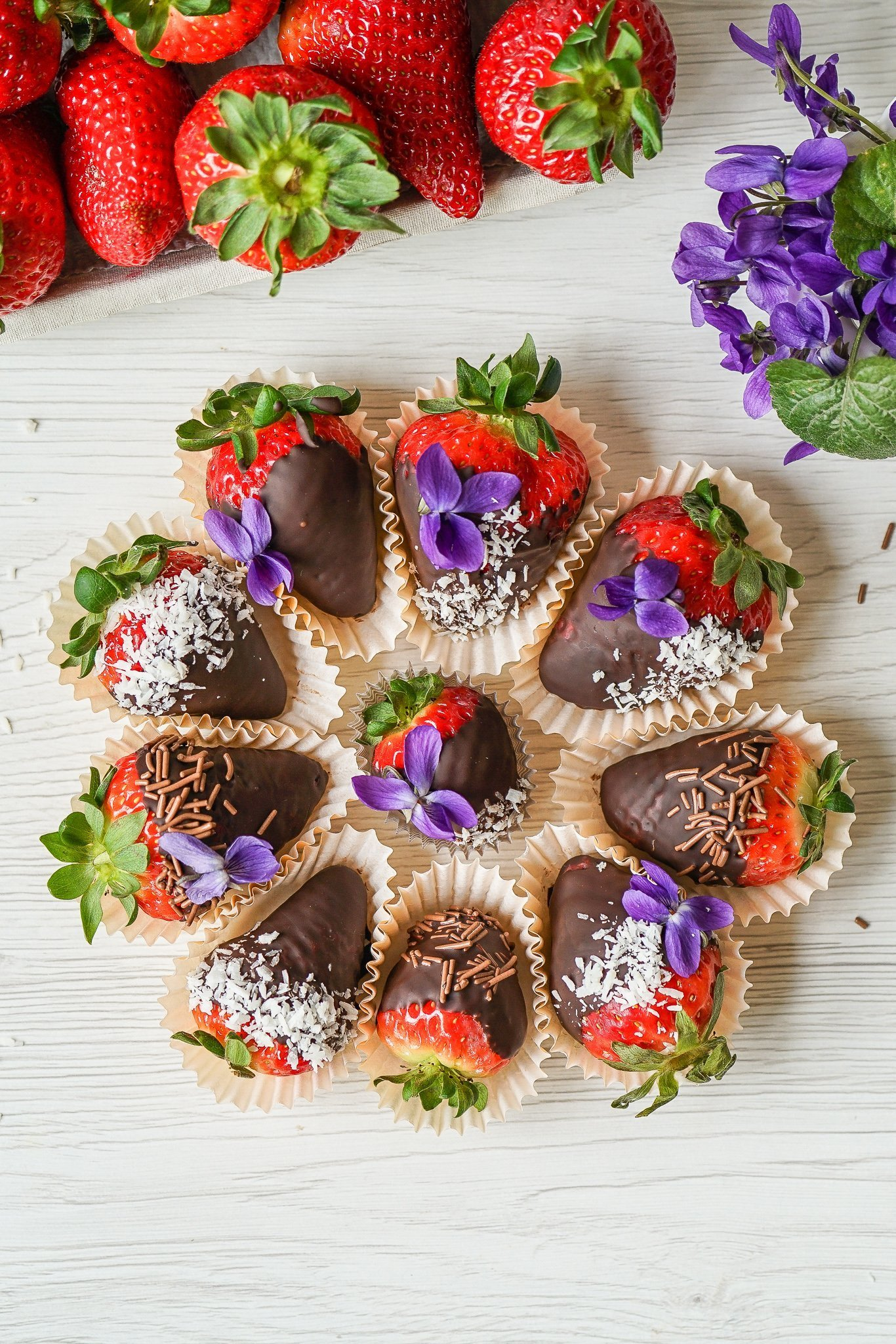 Easy Paleo Chocolate Covered Strawberries