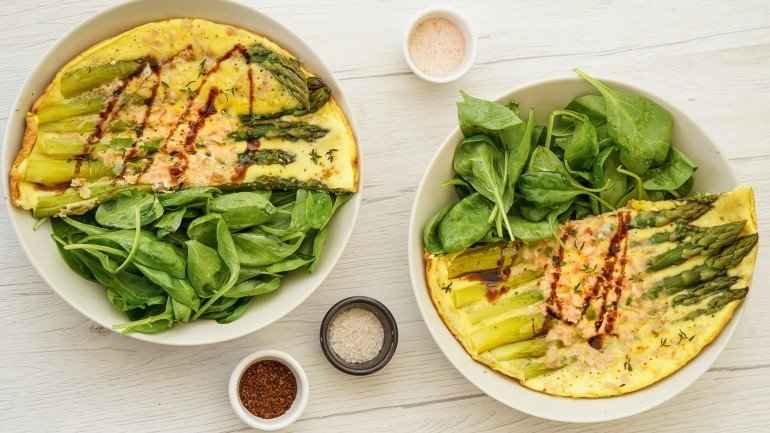 Healthy Asparagus Omelette (Paleo, Dairy & Gluten Free)