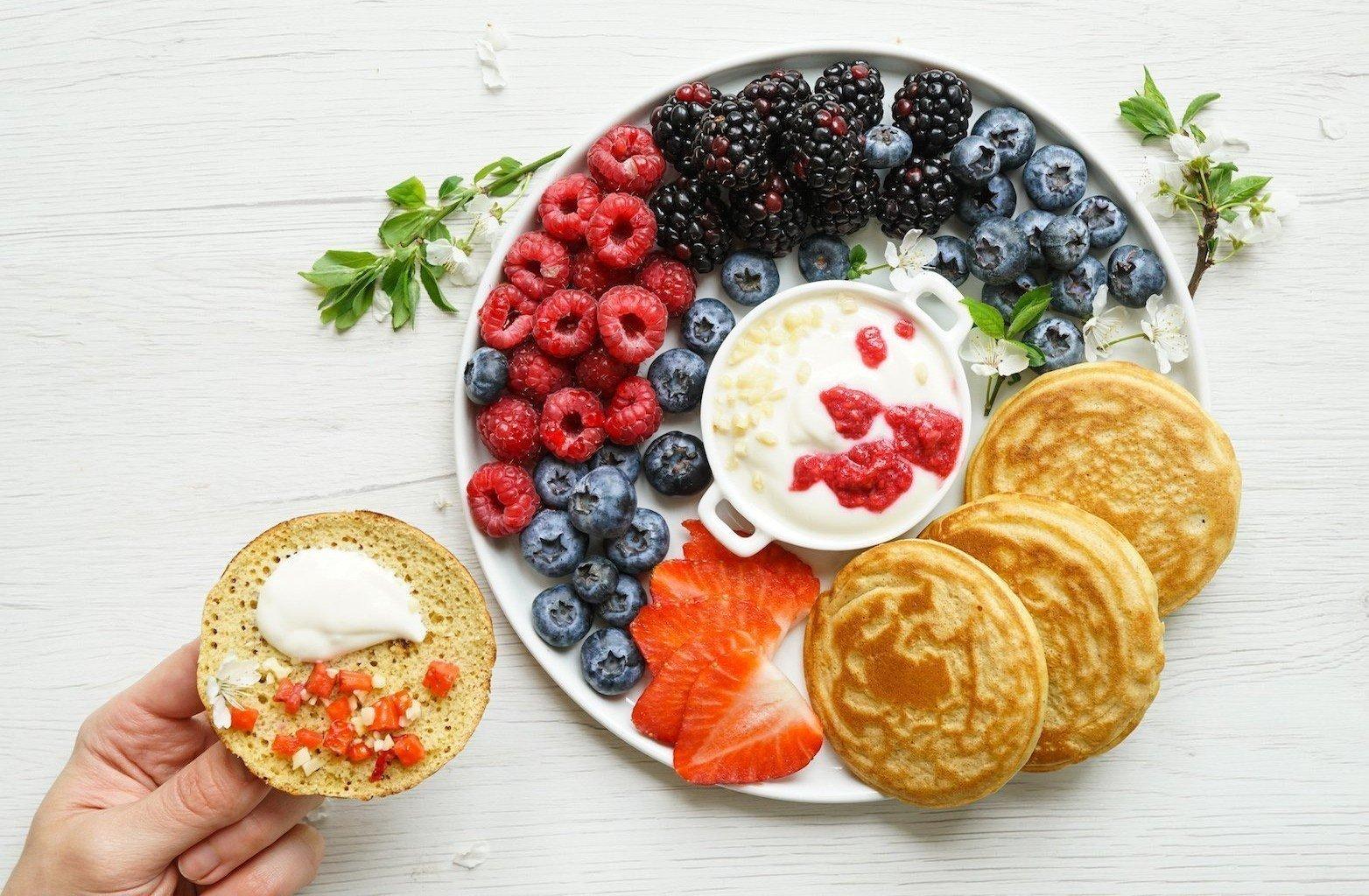 Easy Fluffy Paleo Pancakes (GF, DF, SF)
