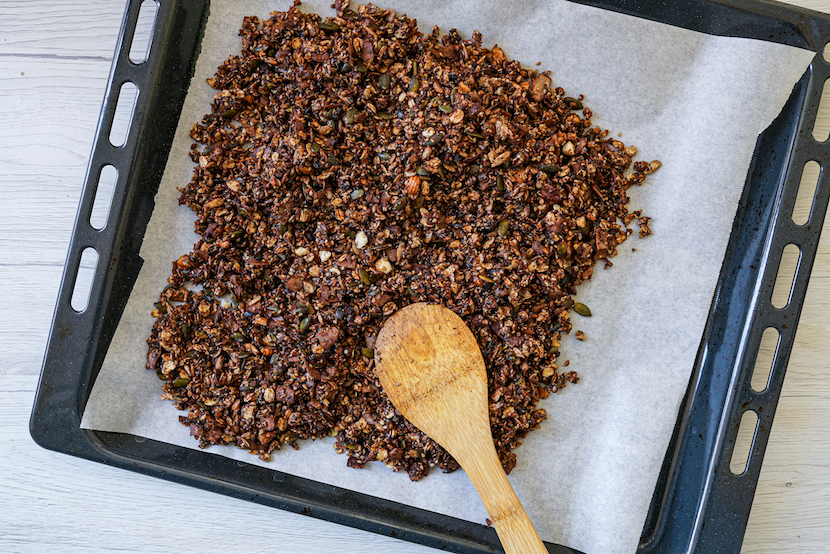 Healthy Dark Chocolate Granola